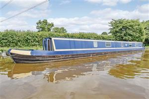 Berriew, Mid Wales NarrowboatsCheshire Ring & Llangollen Canal